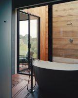 ducha moderna de madera